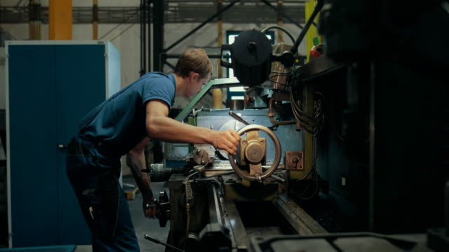 apprentice training in a german machine factory - trainee stock videos & royalty-free footage