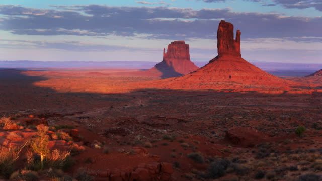 approaching mitten buttes, monument valley - drone shot - navajo reservation stock videos and b-roll footage