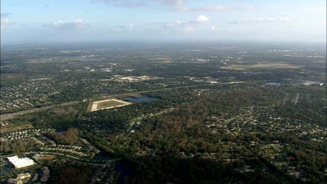 夕暮れ - 空中写真 - フロリダ州セミノール郡、アメリカ合衆国でオーランドに近づいて - フロリダ州点の映像素材/bロール