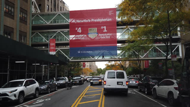 approaching the newyork-presbyterian hospital. - banner stock videos & royalty-free footage