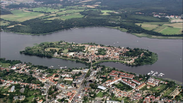 approaching werder and island  - aerial view - brandenburg,  germany - brandenburg state stock videos & royalty-free footage