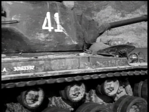 april 17, 1951 soldier riding on top of a moving tank / korea - 1951点の映像素材/bロール