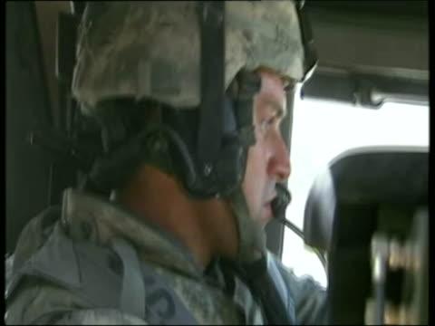 vídeos y material grabado en eventos de stock de april 2007 montage u.s. soldiers from 82nd airborne division patrolling through and beyond sangin in afghanistan/ audio - ropa de camuflaje