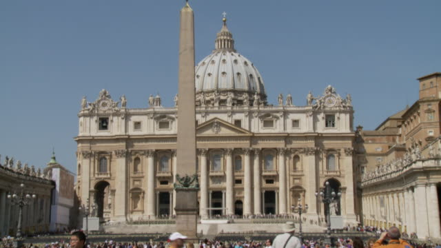 april 24, 2006 tourists walking around and taking pictures at st. peter's square / vatican city, rome, italy - fairground stall stock videos & royalty-free footage