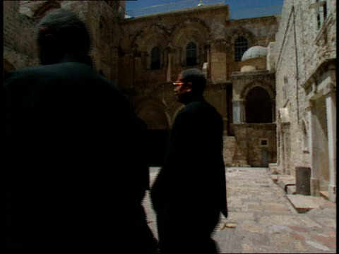 april 30 1992 la wall and tower in the old city / jerusalem israel - biblical event stock videos & royalty-free footage