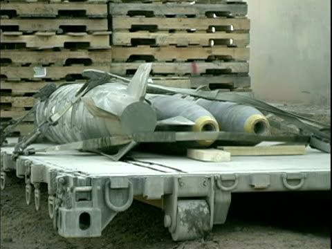 april 8 2004 bombs on cart, baghdad, iraq, audio - one mid adult man only stock videos & royalty-free footage