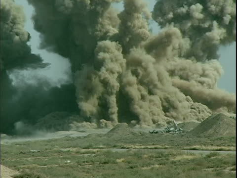 stockvideo's en b-roll-footage met april 8 2004 hangar exploding, baghdad, iraq, audio - 2004