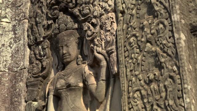 TU / Apsara relief at Bayon temple
