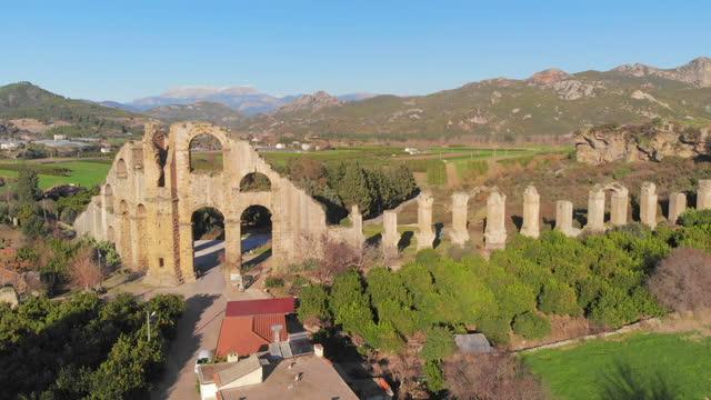vídeos y material grabado en eventos de stock de acueductos en la antigua ciudad de aspendos en antalya, turquía - arco característica arquitectónica