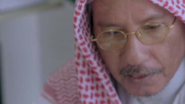 arabic businessman meeting - middle eastern ethnicity stock videos & royalty-free footage