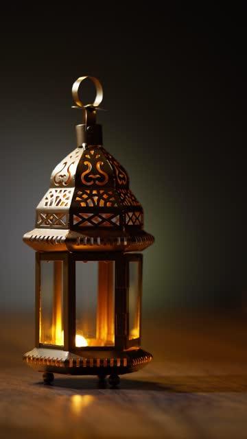 vidéos et rushes de lanterne arabe sur le dessus de table - espoir