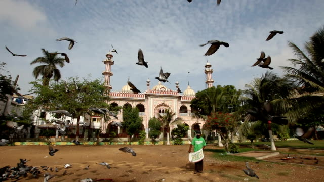 arambagh masjid, karachi, pakistan. - sindh pakistan stock videos and b-roll footage