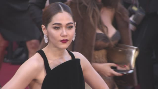 stockvideo's en b-roll-footage met araya a. hargate at 'mal de pierres' - red carpet at grand theatre lumiere on may 15, 2016 in cannes, france. - internationaal filmfestival van cannes
