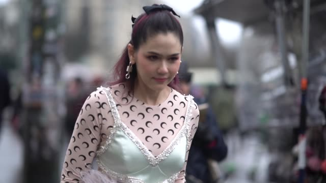 Araya Hargate is seen outside Elie Saab during Paris Fashion Week Haute Couture Spring Summer 2020 on January 23 2019 in Paris France