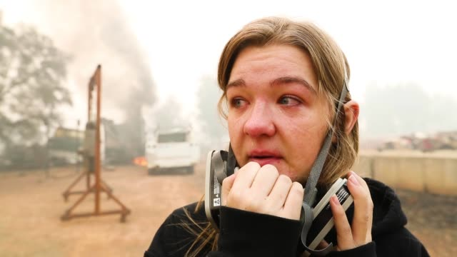 araya, lost her home on grinding rock avenue in paradise, calif. to the camp fire - interview raw footage stock videos & royalty-free footage