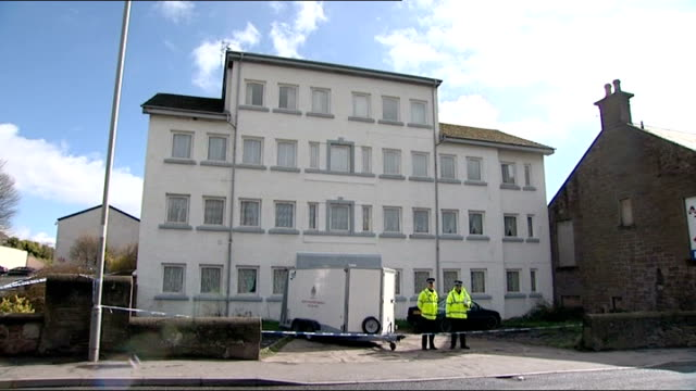 vídeos y material grabado en eventos de stock de two lithuanian men arrested brechin police officers on duty outside hostel where lithuanian workers lived matrix engineering factory - hostal