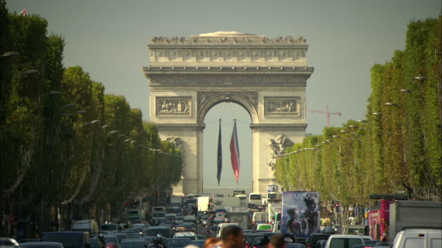 ms arc de triomphe above busy and congested street, paris, france - arch stock videos & royalty-free footage