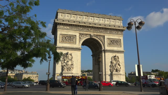arc de triomphe at place charles de gaulle, paris, france, europe - arc de triomphe paris stock videos & royalty-free footage