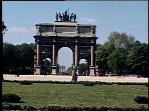 vidéos et rushes de arc de triomphe du carrousel / paris france - arc élément architectural