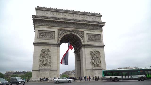 arc de triomphe in paris france - french flag stock videos and b-roll footage