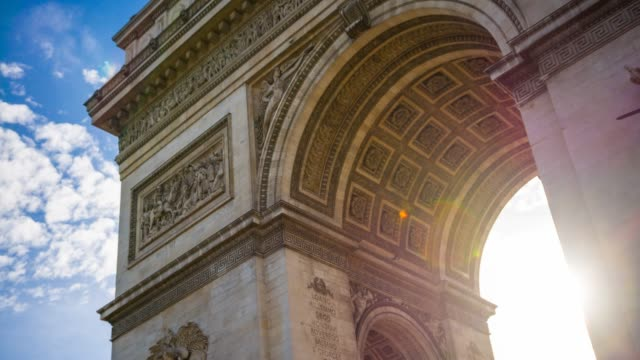 arc de triomphe in paris - triumphbogen paris stock-videos und b-roll-filmmaterial