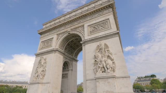 arc de triomphe / paris, france - arc de triomphe paris stock videos & royalty-free footage