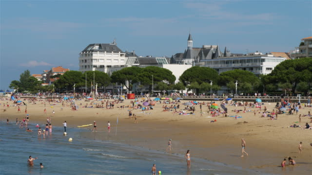 arcachon, gironde department, nouvelle-aquitaine, france - nouvelle aquitaine stock videos & royalty-free footage