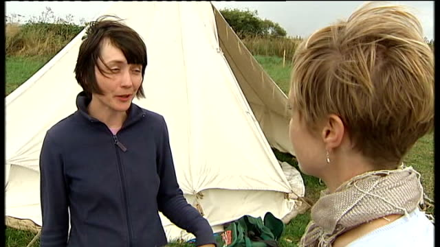 Archaeologists discover prehistoric home in Scarborough Archaeologists at work on site of prehistoric house Doctor Chantal Conneller interview SOT...