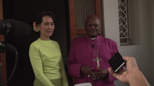 vídeos de stock, filmes e b-roll de archbishop desmond tutu said tuesday he hoped to see a truly free myanmar as he met fellow nobel peace prize winner aung san suu kyi during a visit... - desmond tutu