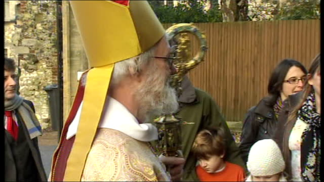 archbishop of canterbury christmas day message; england: kent: canterbury cathedral: ext doctor rowan williams arriving at cathedral int doctor rowan... - canterbury cathedral stock videos & royalty-free footage