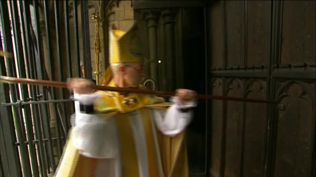 archbishop of canterbury, justin welby, knocks at canterbury cathedral doors as part of enthronement service - canterbury cathedral stock videos & royalty-free footage