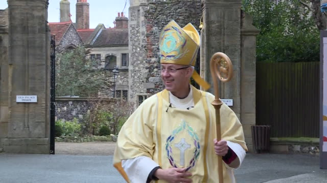 archbishop of canterbury justin welby wishing people a merry christmas outside canterbury cathedral - anglican stock videos & royalty-free footage