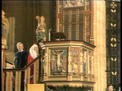 Archbishop of Cape Town Desmond Tutu entering pulpit at Canterbury Cathedral 09 Dec 84