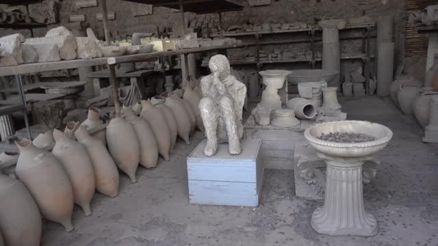 archeological artifacts plaster cast in the ancient ruins sightseeing historic landmark of pompeii, italy, europe. - cast member stock videos & royalty-free footage