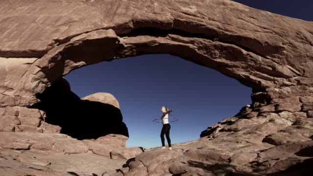 arches national park, moab, utah - ユタ州モアブ点の映像素材/bロール