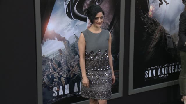 stockvideo's en b-roll-footage met archie panjabi at the san andreas los angeles world premiere at tcl chinese theatre on may 26 2015 in hollywood california - mann theaters