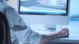 TU Architect checking the virtual model on computer
