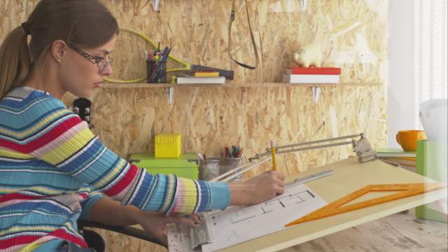 Architect tekening blauwdruk in kantoor