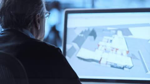 tu architekten arbeiten mit den cad-software - architektur stock-videos und b-roll-filmmaterial