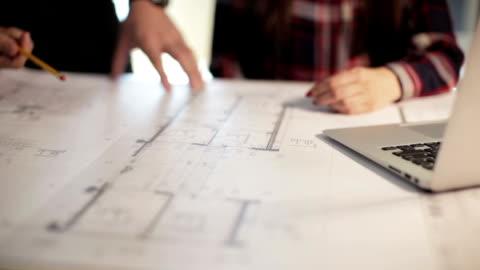 arkitekter som arbetar - planering bildbanksvideor och videomaterial från bakom kulisserna