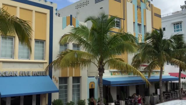 米国フロリダ州マイアミビーチの建築 - サウスビーチ点の映像素材/bロール