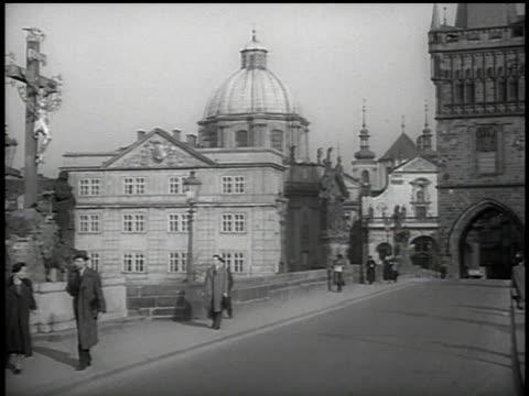 vidéos et rushes de architecture of prague, czechoslovakia - prague