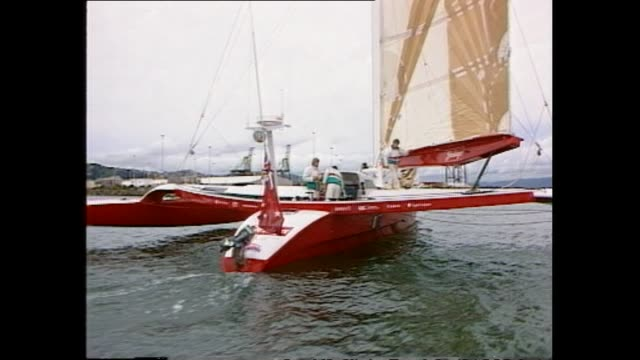 vídeos de stock, filmes e b-roll de archive footage of sir peter blake at the helm of steinlager one yacht - biografia