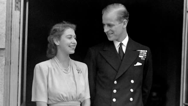 archive footage of the duke of edinburgh following the news he has left his home in sandringham norfolk to head to the king edward vii hospital in... - エジンバラ公爵点の映像素材/bロール