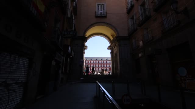archway entry to plaza mayor, madrid, spain, europe - madrid stock videos & royalty-free footage