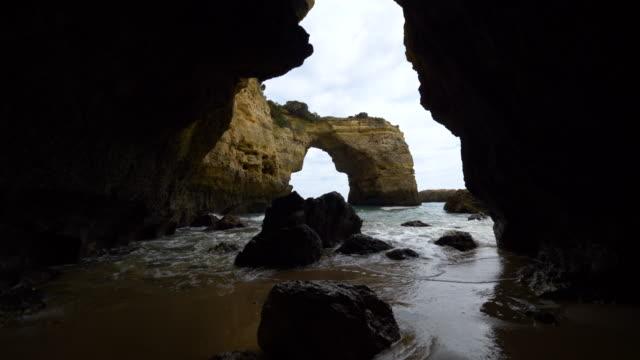 arco da albandeira, algarve - cave stock videos & royalty-free footage
