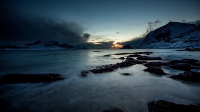 TIME LAPSE: Arctic Coast Dusk