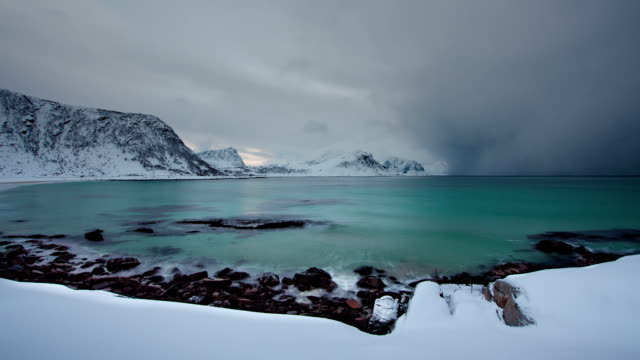 TIME LAPSE: Arctic Storm Approaching
