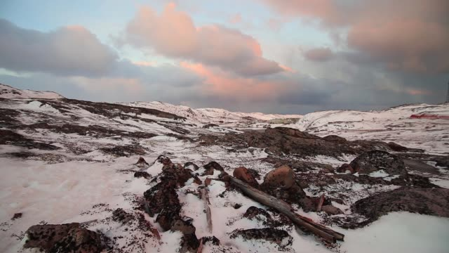 arctic tundra at sunset - 30 seconds or greater stock videos & royalty-free footage