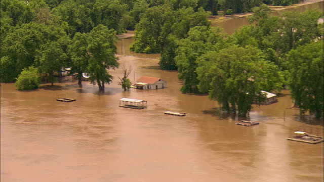 area flooded by mississippi river including small residential area/ clarksville missouri - mississippi river stock videos & royalty-free footage